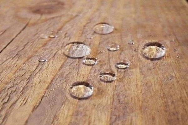 مقایسه ترمووود و چوب طبیعی از نظر نفوذ رطوبت