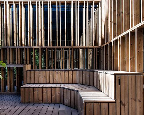 پلههای-چوبی